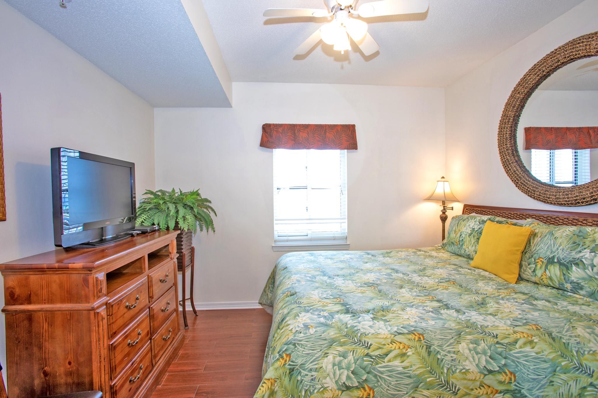 South Harbour #7E Condo rental in South Harbour ~ Pensacola Beach Vacation Rentals by BeachGuide in Pensacola Beach Florida - #8