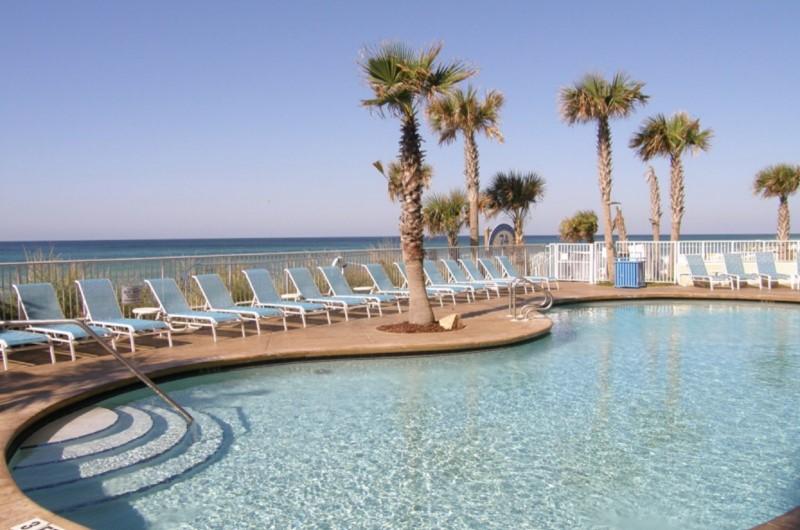Splash Resort Beachfront Pool
