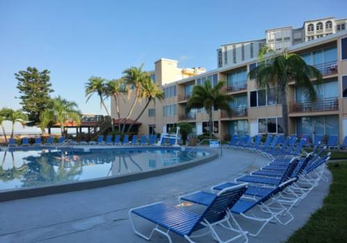 Dolphin Beach Resort - https://www.beachguide.com/st-pete-beach-vacation-rentals-dolphin-beach-resort--1704-0-20168-5121.jpg?width=185&height=185