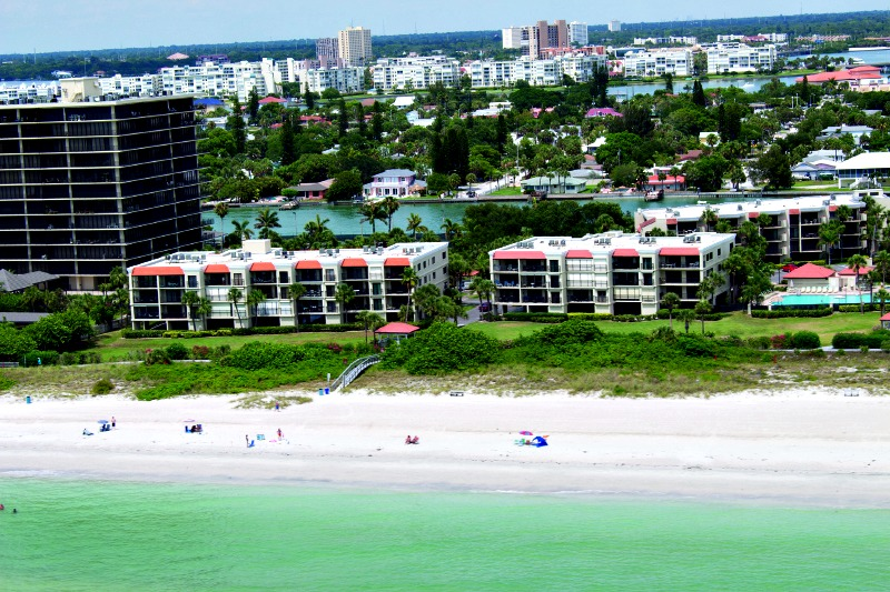 Lands End Condominiums Vacation Rentals - https://www.beachguide.com/st-pete-beach-vacation-rentals-lands-end-condominiums-vacation-rentals-8416655.jpg?width=185&height=185