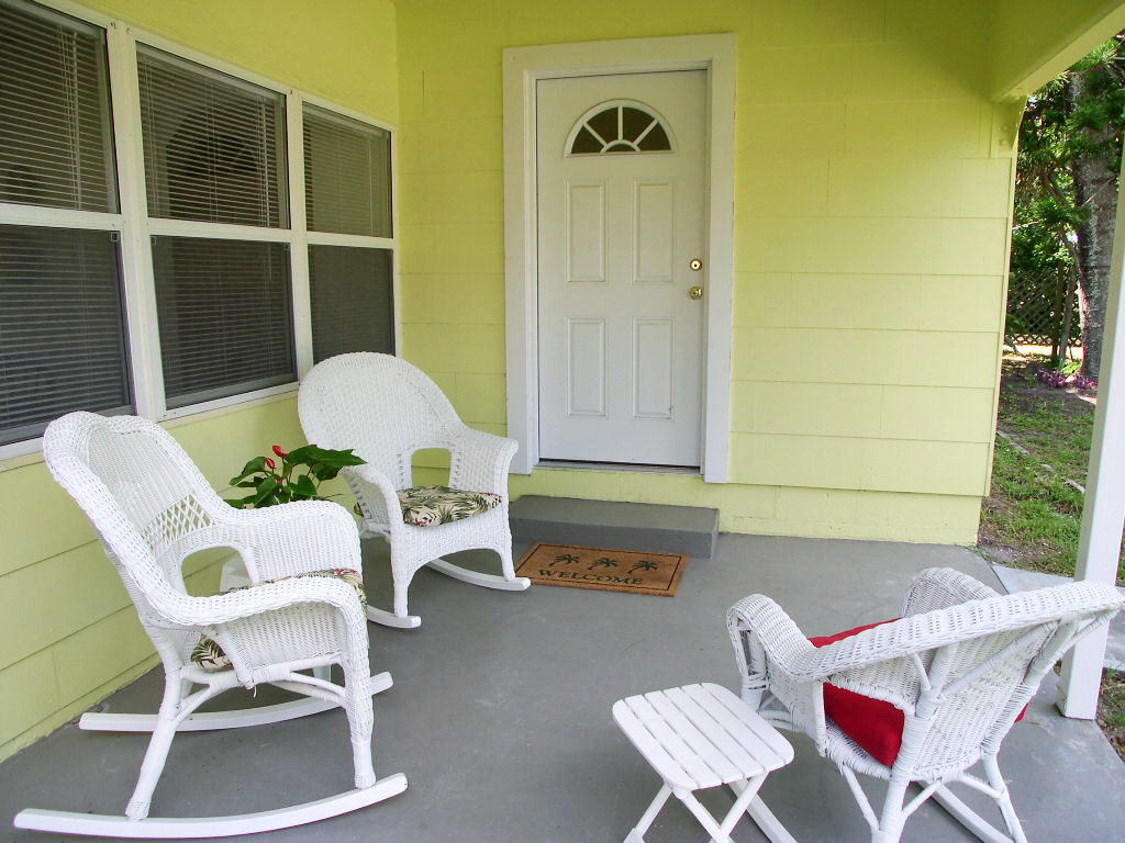 Bird of Paradise Bungalow 2 Bedroom WiFi Sleeps 4 House/Cottage rental in St. Pete Beach House Rentals in St. Pete Beach Florida - #4