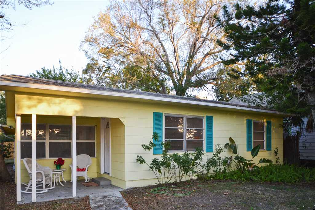 Bird of Paradise Bungalow 2 Bedroom WiFi Sleeps 4 House/Cottage rental in St. Pete Beach House Rentals in St. Pete Beach Florida - #22