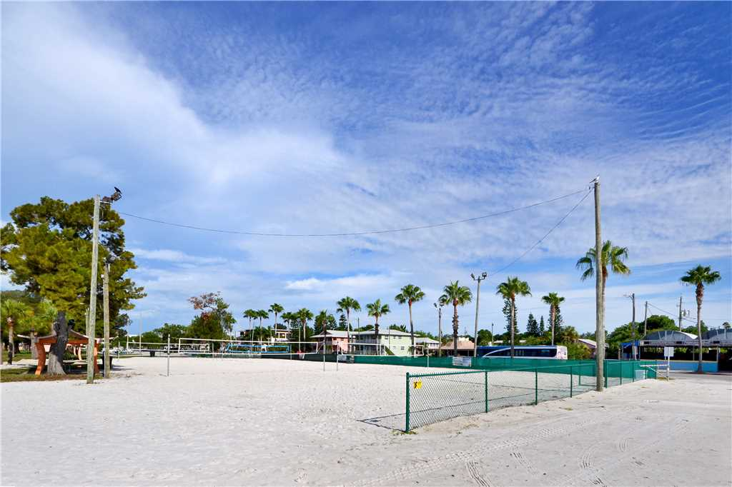 Bird of Paradise Bungalow 2 Bedroom WiFi Sleeps 4 House/Cottage rental in St. Pete Beach House Rentals in St. Pete Beach Florida - #36