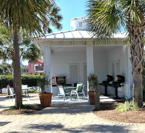 Gulf-front beachside grill at the Sterling Shores Condominiums  in Destin Florida