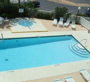Summerspell - https://www.beachguide.com/summerspell-pool-1372-0-20154-459.jpg?width=185&height=185