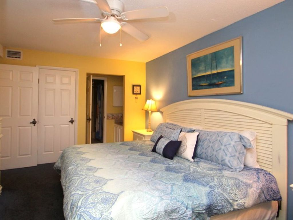 Summit 1116 1 Bedroom Beachfront Wi-Fi Pool Sleeps 6 Condo rental in Summit Beach Resort in Panama City Beach Florida - #14