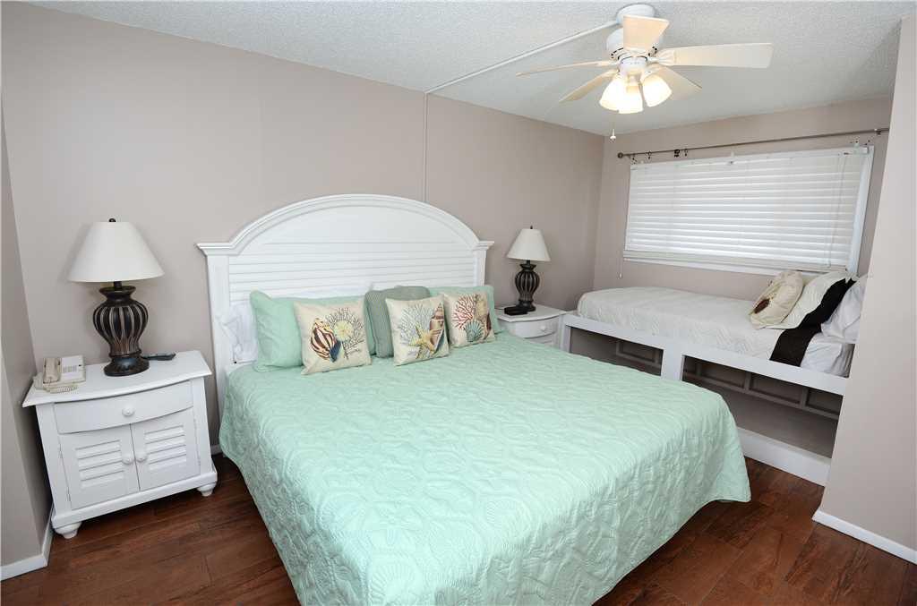 Summit 828 1 Bedroom Beachfront FREE Beach Chairs Pool Sleeps 7 Condo rental in Summit Beach Resort in Panama City Beach Florida - #8