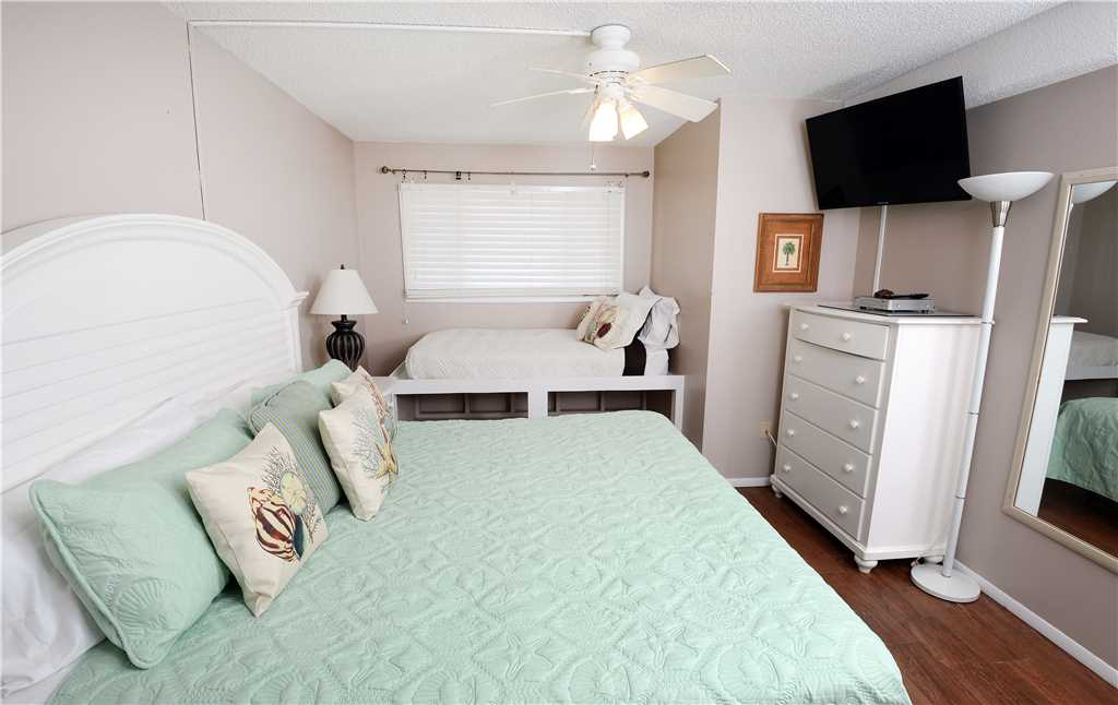 Summit 828 1 Bedroom Beachfront FREE Beach Chairs Pool Sleeps 7 Condo rental in Summit Beach Resort in Panama City Beach Florida - #9
