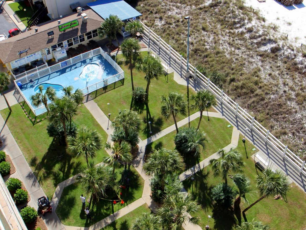 Summit 828 1 Bedroom Beachfront FREE Beach Chairs Pool Sleeps 7 Condo rental in Summit Beach Resort in Panama City Beach Florida - #20