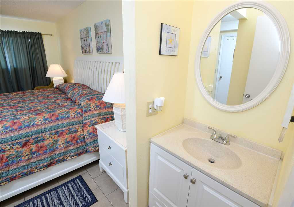 Summit 913 1 Bedroom Beachfront Wi-Fi Pool Sleeps 6 Condo rental in Summit Beach Resort in Panama City Beach Florida - #12