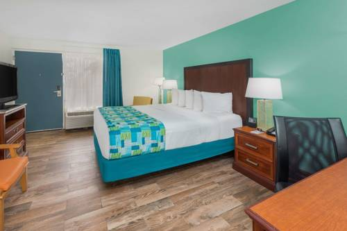 Travelodge Pensacola Beach in Pensacola Beach FL 86