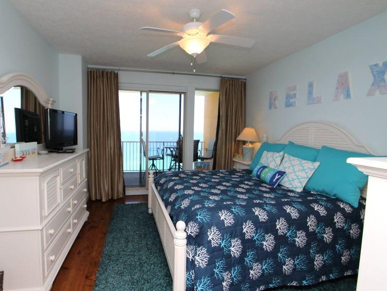 Treasure Island 1709 2 Bedrooms Beachfront Wi-Fi Pool Sleeps 8 Condo rental in Treasure Island - Panama City Beach in Panama City Beach Florida - #14