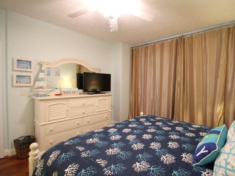 Treasure Island 1709 2 Bedrooms Beachfront Wi-Fi Pool Sleeps 8 Condo rental in Treasure Island - Panama City Beach in Panama City Beach Florida - #16