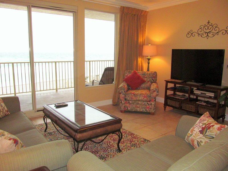 Treasure Island 207 2 Bedrooms Beachfront Wi-Fi Pool Sleeps 8