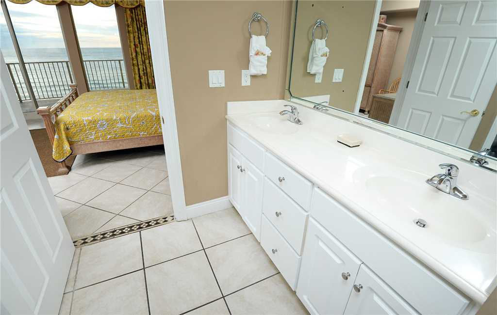 Treasure Island 901 3 Bedrooms Beachfront Pool Wi-Fi Sleeps 10 Condo rental in Treasure Island - Panama City Beach in Panama City Beach Florida - #16