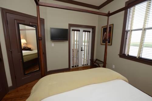 Water Street Hotel & Marina in Apalachicola FL 04